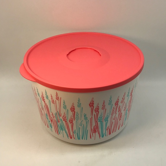 Tupperware Canister Wheat 6.6 Liter